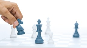 Picture concept for Services. Popular, well - known games as symbols for the expertise of Linde and the simplicity for the customer to use Linde Services. Each game represents a specific area.  Chess represents Process know -how